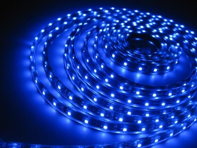 Bobina Striscia Led 5 Metri Mt Blu Impermeabile con Super Adesivo 3M Ideale per interni ed esterni
